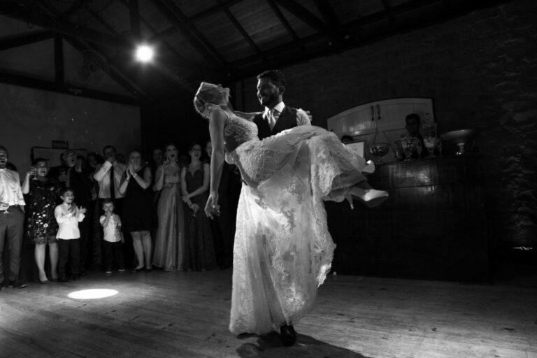 dança-dos-noivos-casamento-casa-morreto-fernanda-henrique